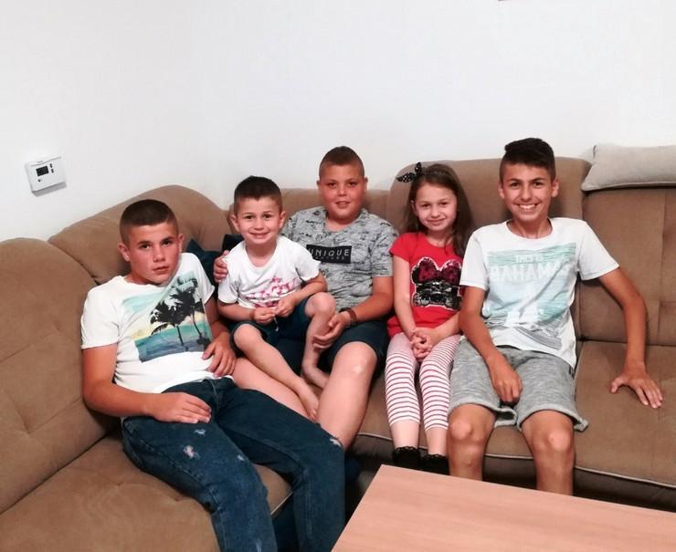 deca sa kosova-porodica bjelica-