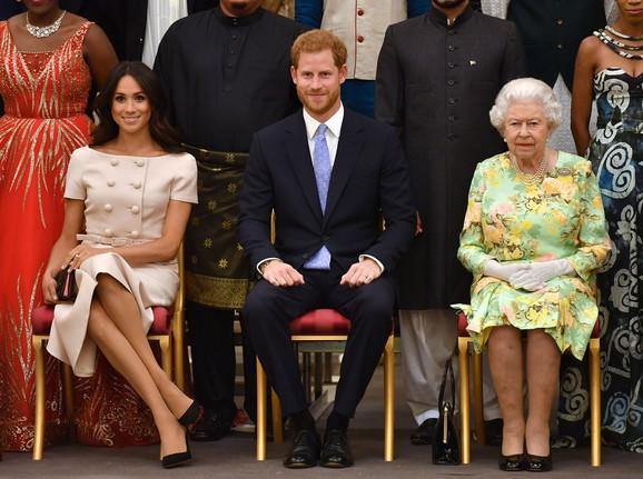 Megan i Hari sa kraljicom