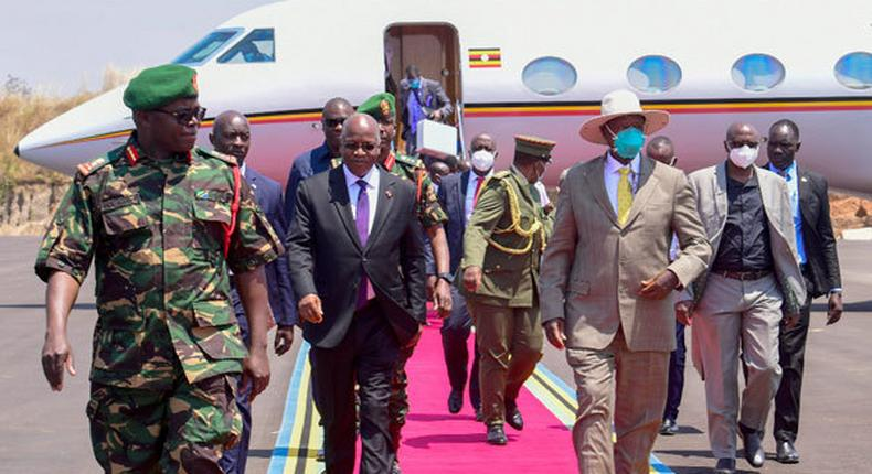 Ugandan President Yoweri Museveni says he lost his voice after wearing very heavy mask in Tanzanian visit