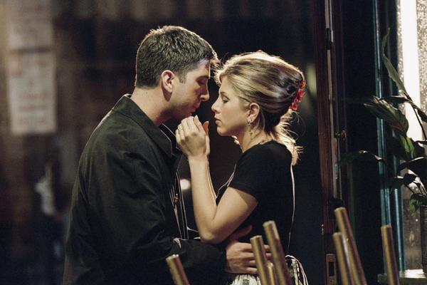 kiedy Monika i Chandler zaczynają się spotykać złapał chłopaka na stronie randkowej