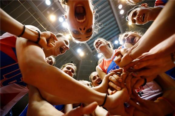 Ženska odbojkaška reprezentacija Srbije slavi trijumf nad Tajlandom