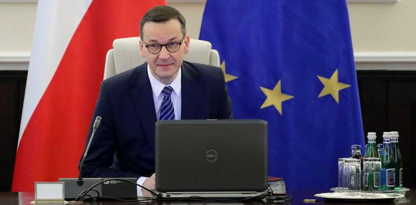 Premier Morawiecki pozbył się kobiet. Emilewicz odpowiada