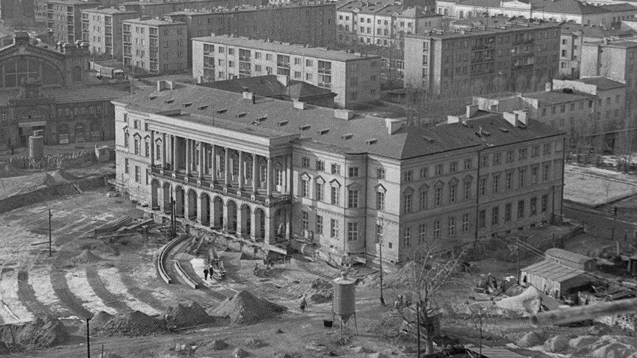 Pałac Lubomirskich podczas przesuwania