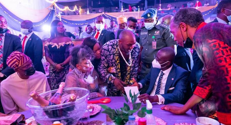 Yeni Kuti flanked by her brother Seun Kuti and his wife, Governor Babajide Sanwo-Olu and Femi Kuti [TSB]