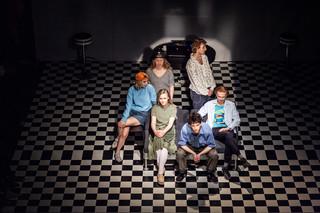 'Śmieszne miłości' w Teatrze WARSawy, czyli o tym, że Kundera i debiutanci wzajemnie się nie wykluczają