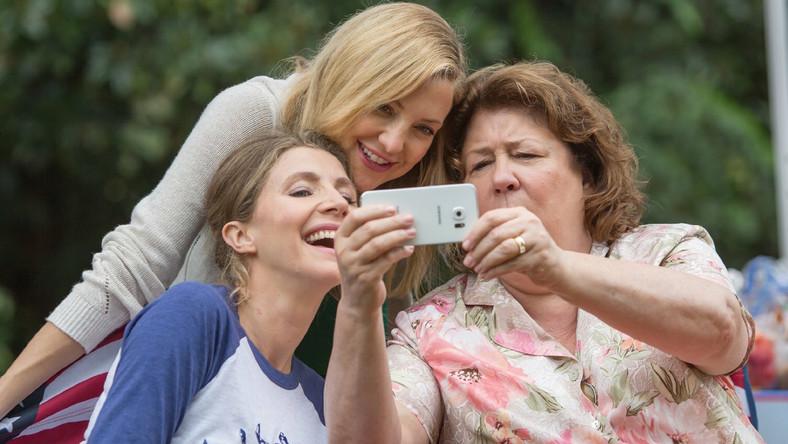 """""""Dzień Matki"""" po amerykańsku. Margo Martindale świetna w roli nieokrzesanej mamuśki"""