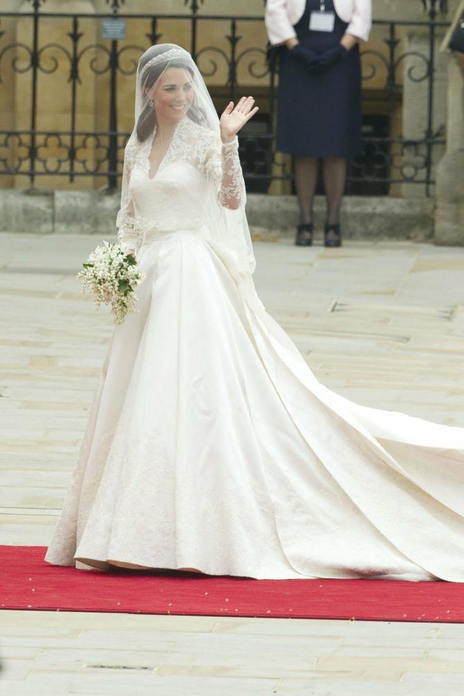 Mlade širom sveta rado su kopirale haljinu Kejt Midlton