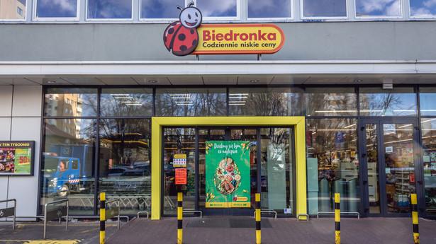 Wejście do sklepu sieci Biedronka