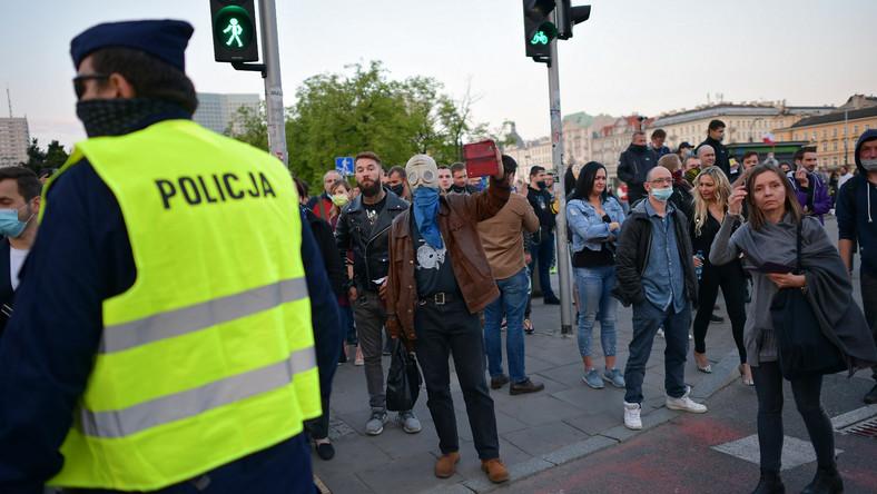 Uczestnicy drugiego dnia protestu przedsiębiorców w stolicy