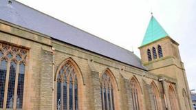 Ogromny kościół wystawiony na sprzedaż. Jest tańszy niż normalny dom