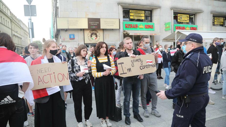 Pikieta solidarności z Ramanem Protasiewiczem w Warszawie