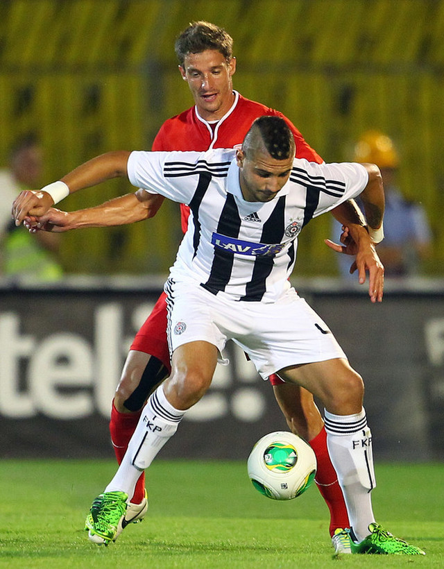 Aleksandar Mitrović u periodu dok je nosio dres Partizana