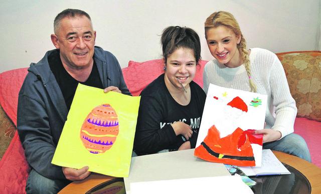 Jovana je Mimi Karadžiću i Anji Mit poklonila crteže sa posvetom