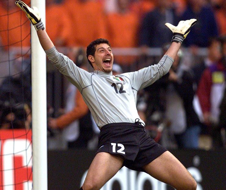 Frančesko Toldo na meču Italije i Holandije 2000. godine