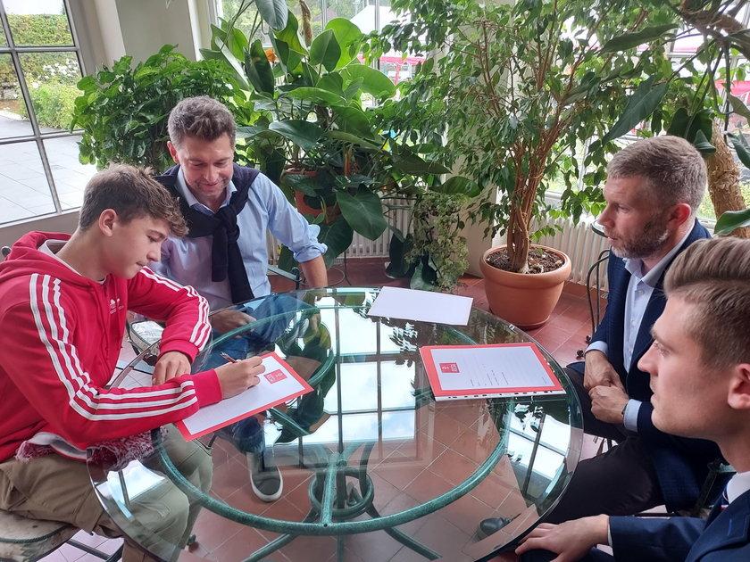 Część zawodników obecnych w konsulacie już wkrótce dostanie powołania do reprezentacji Polski w swojej kategorii wiekowej.