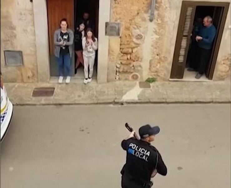 Španija, policija, muzika