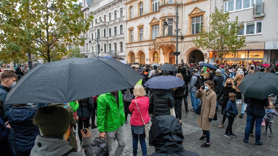 Aborcja. Protest w Łodzi przeciwko orzeczeniu TK