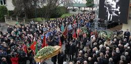 Tusk przyleciał na pogrzeb przyjaciela