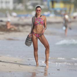 Sandra Kubicka w kolejnej sesji bikini. Ależ ona ma ciało!