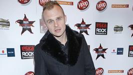 Piotr Rogucki śpiewa dla Miuosha