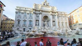 Woda w fontannie di Trevi została zabarwiona na czerwono