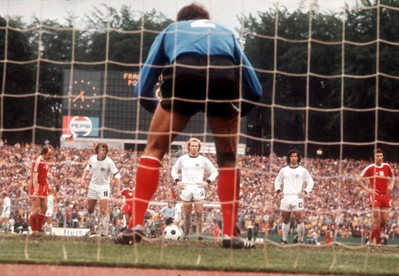 Jan Tomaszewski obronił ten rzut karny. Półfinał Mistrzost Świata w 1974 roku, mecz Polska - RFN