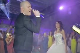 NIJE KRILA DA JE U ŠOKU Evo šta je Mirko Gavrić uradio supruzi USRED VENČANJA pred svim gostima