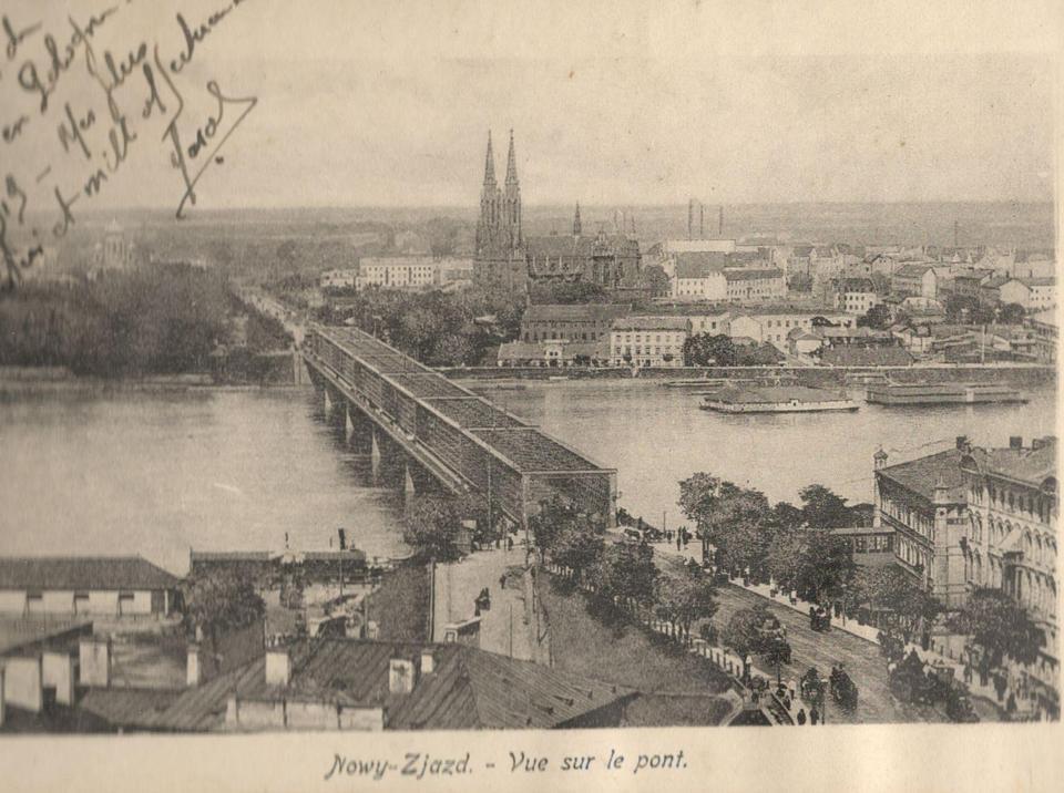 Widok na most Kierbedzia i Pragę