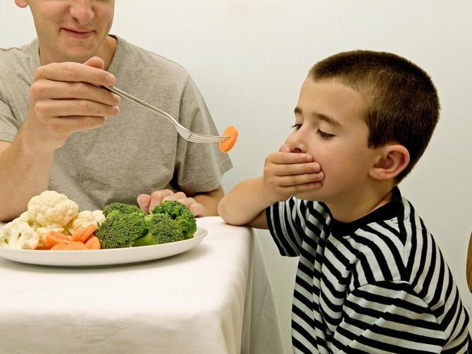 Od kada mi se sin rodio, za stolom 7 GODINA ponavljam OVE TRI REČENICE: Bojim se da ću IZLUDETI, a niko me ne razume