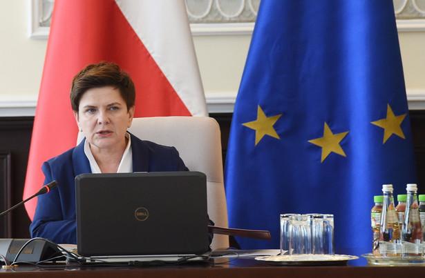 Premier Beata Szydło przed posiedzeniem rządu