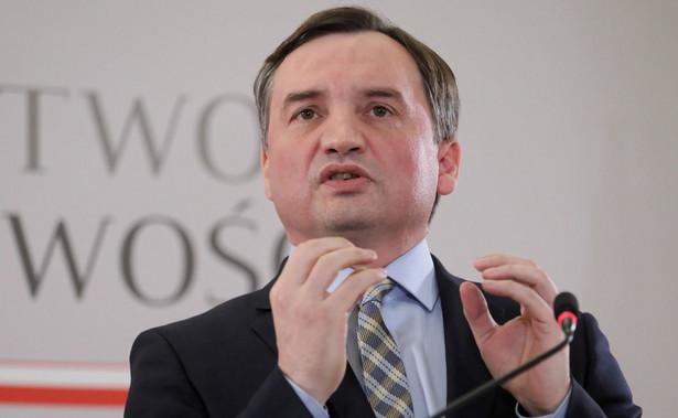 Jestem przekonany, że mimo obstrukcji Senatu uda nam się dokończyć reformę sądownictwa - powiedział w środę minister sprawiedliwości Zbigniew Ziobro. Dodał, że opozycja wykorzystuje spór o zmiany w sądownictwie wyłącznie do celów politycznych.