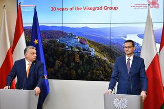 Morawiecki o negocjacjach budżetowych: Razem z Viktorem, razem z Węgrami, ramię w ramię