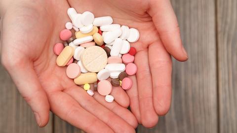 Suplementy diety to nie leki. Przeznaczone są dla ludzi zdrowych, by dostarczyć brakujących składników odżywczych