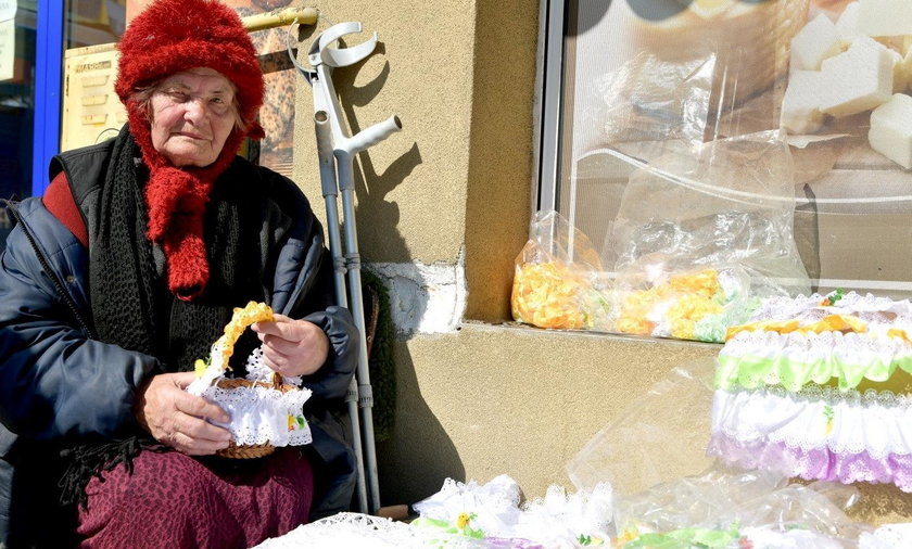 90-latka z Radomia ukarana za nielegalny handel serwetkami