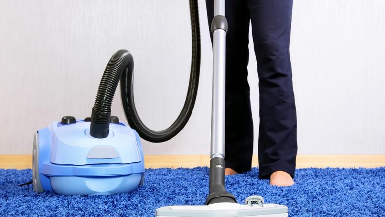 Osoby starsze powinny chętnie podejmować wysiłek, jakim są prace domowe. To zapobiega alzheimerowi