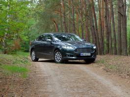 Ford Mondeo Hybrid - ciemna strona oszczędzania | TEST