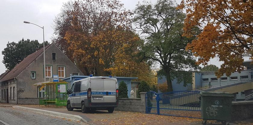 Uczennice napadnięte w drodze do szkoły. Pobił je obcy mężczyzna