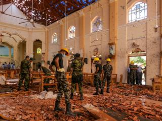 Hundreds Killed in Bomb Blasts on Easter Sunday in Sri Lanka