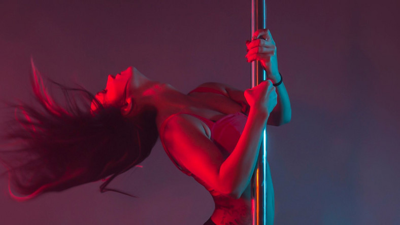Illustrative photo of a stripper (Cosmopolitan)