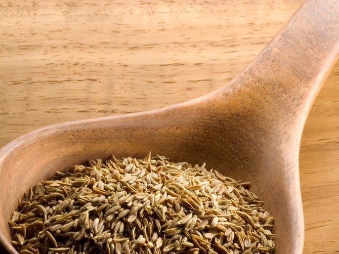 Čudotvoran začin uz koji ćete lakše smršati: Jedna kašičica dnevno čak tri puta ubrzava gubitak kilograma!