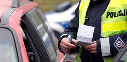 Zabieranie prawa jazdy nielegalne?! Policja może mieć problemy