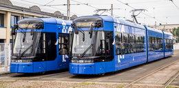 Lajkoniki już kursują. Dwa nowe tramwaje wyjechały na tory
