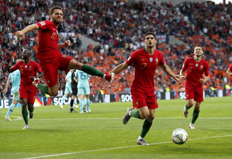 Fudbalska reprezentacija Portugala, Fudbalska reprezentacija Holandije