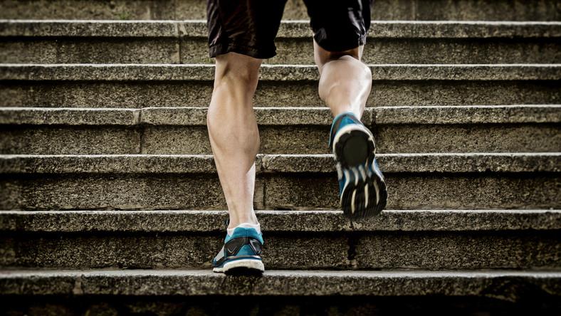 Czy można schudnąć chodząc po schodach