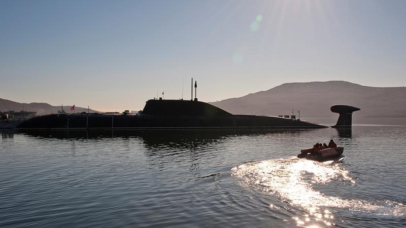Atomowy okręt podwodny projektu 945 w porcie