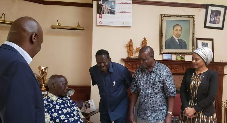 Former Prime Minister Raila Odinga when he visited Mzee Moi in Kabarak on May 5, 2019 (Twitter)