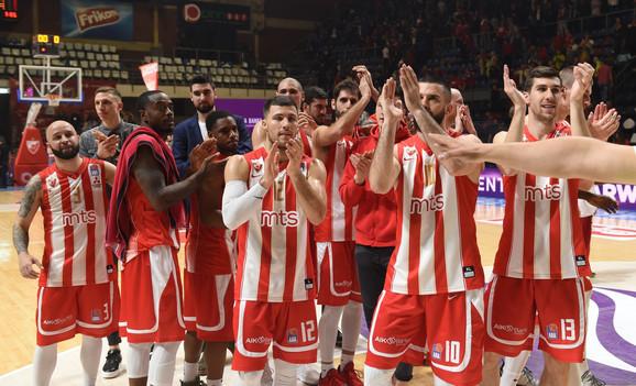 Radost košarkaša Crvene zvezde nakon pobede nad Partizanom