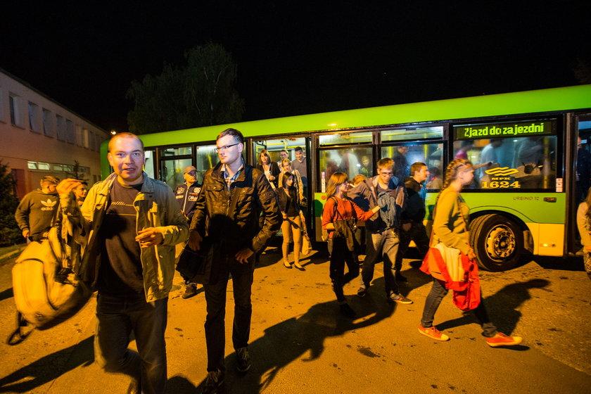 Tłumy ruszyły na nocne zwiedzanie zajezdni