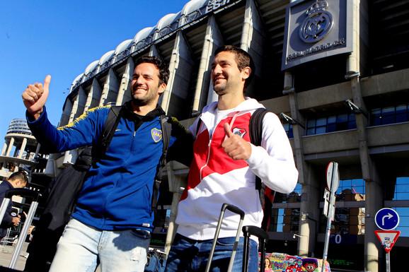Navijači oba kluba ispred