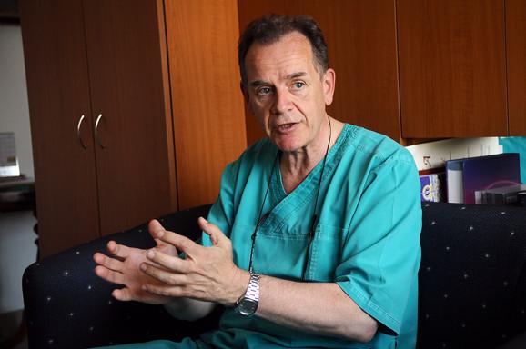 Dr Radunović: Svakoj stotoj bebi u stomaku neophodna  je hirurška intervencija